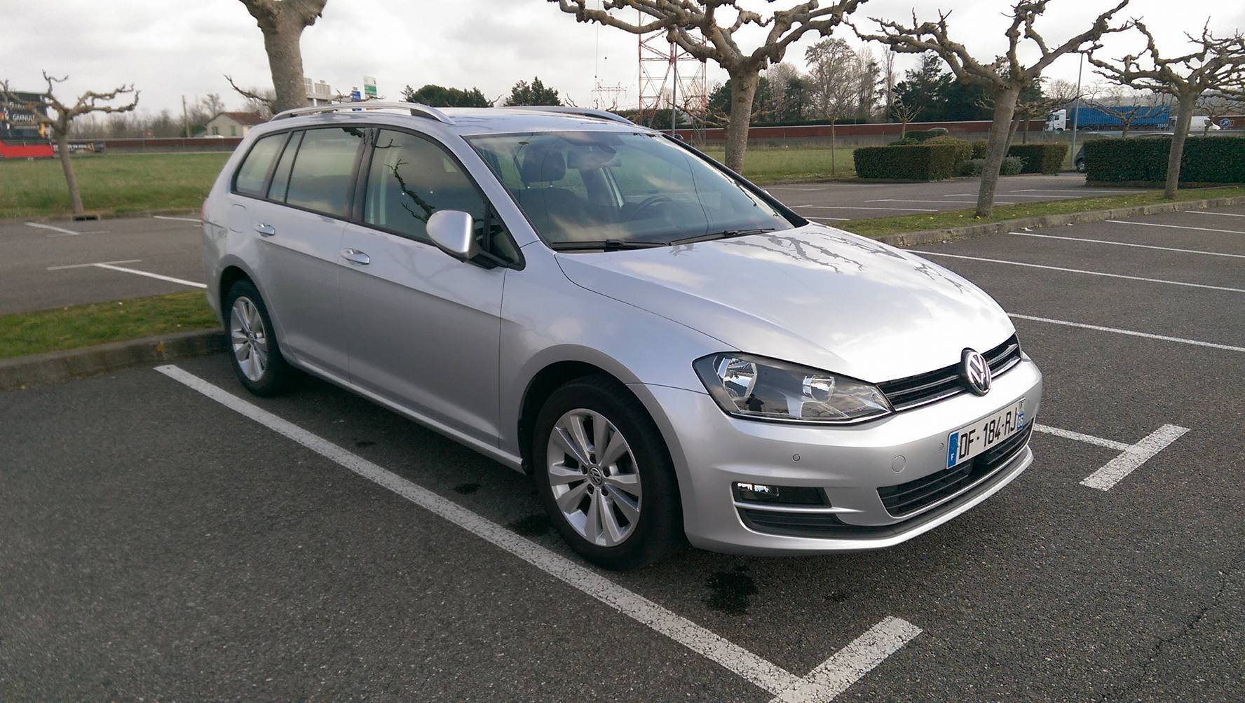 volkswagen golf 7 sw 1 6 tdi 105 bluemotion lot of cars. Black Bedroom Furniture Sets. Home Design Ideas
